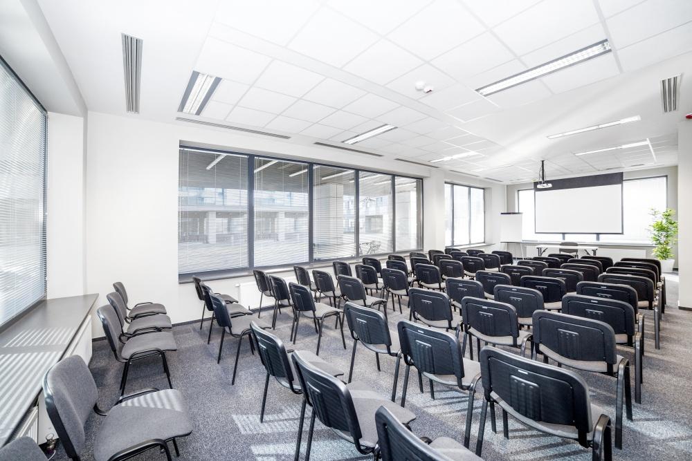 Sala szkoleniowo - konferencyjna Z1 na wynajem Golden Floor Airport, ul. 17 Stycznia 45B, Warszawa Centrum