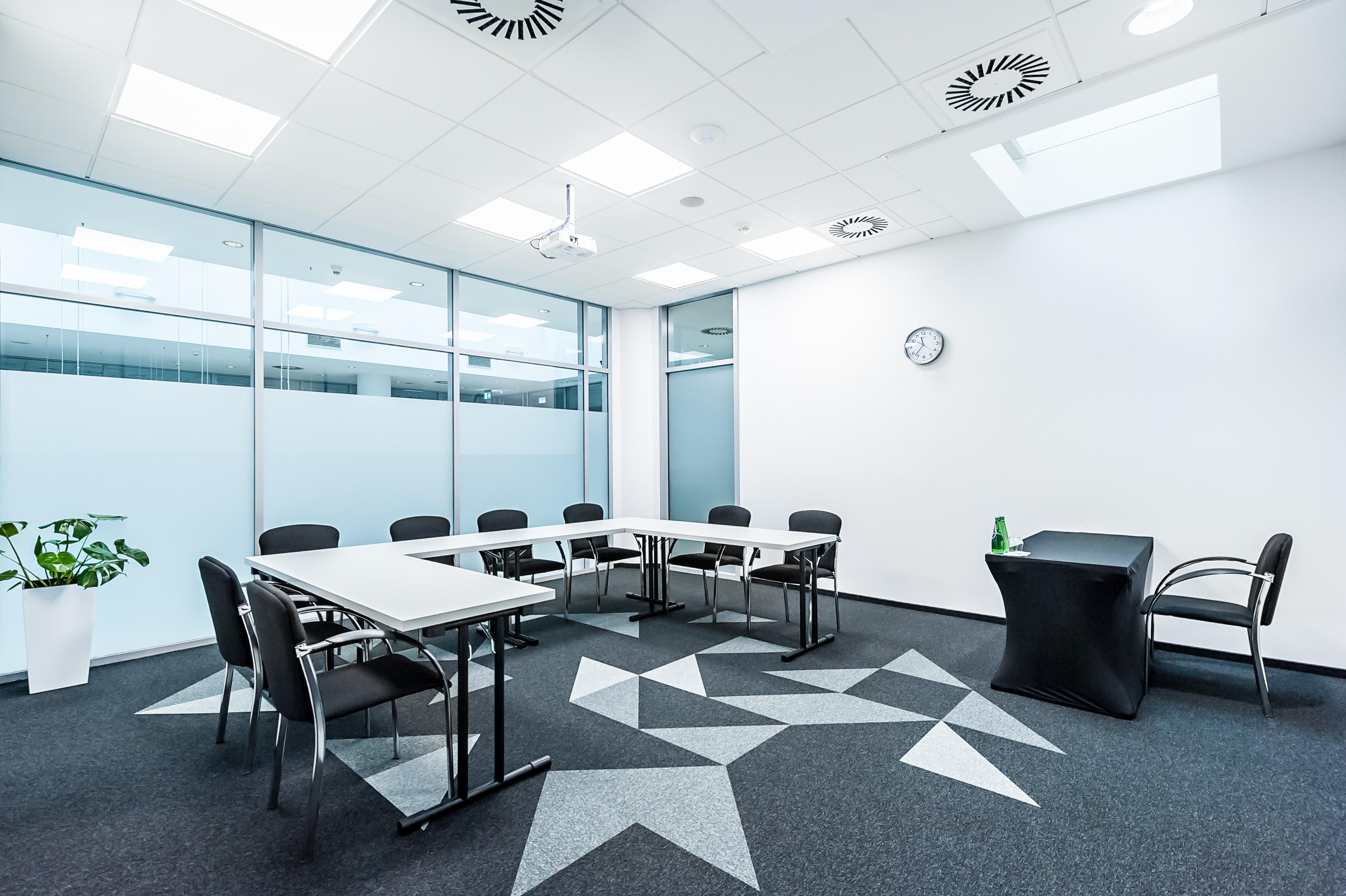 Sala szkoleniowo - konferencyjna S8 na wynajem Golden Floor Centrum, ul. Sienna 39, Warszawa Centrum